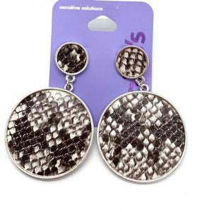 5/$25 Round silver snake skin stud back earrings